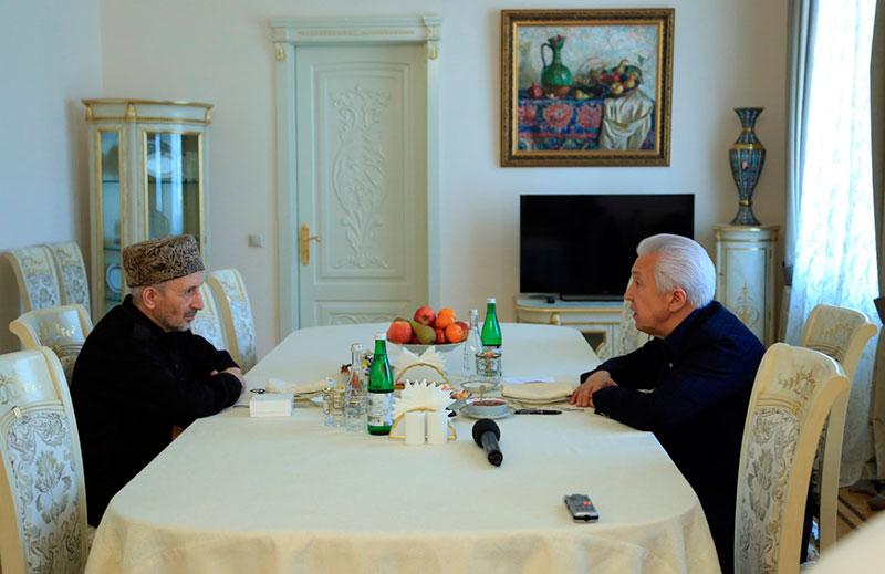 Васильев обсудил с муфтием Дагестана совместные меры по недопущению распространения коронавирусной инфекции