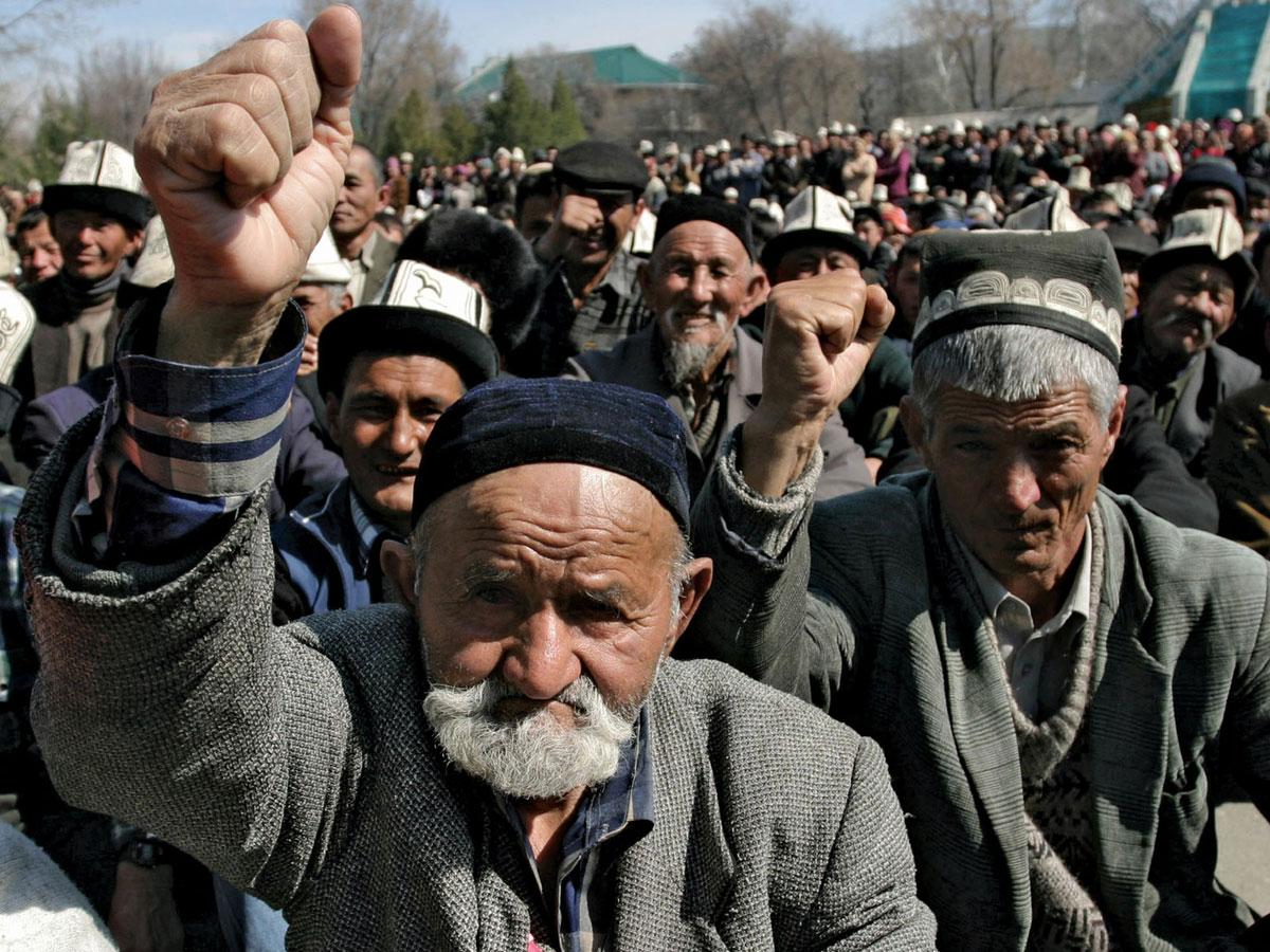 Хозяйку ублажают таджики 22 фотография